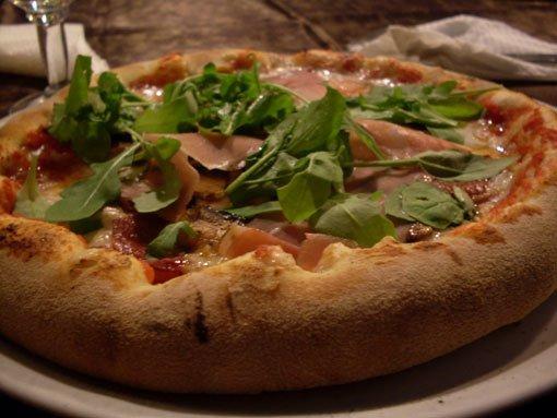 Sciuscia pizza restaurant in palermo