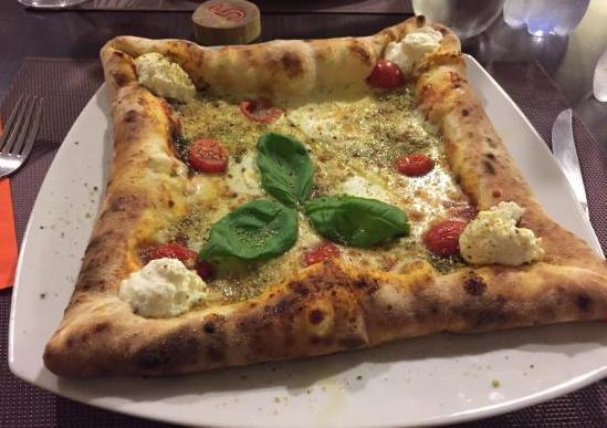 frida pizza restaurant in palermo