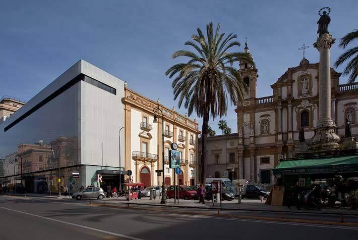 most via roma popular avenues in Palermo
